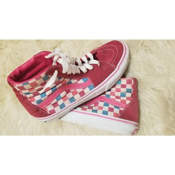 4af8dc2693 Pink Checkered High Top Vans. M 5b7737304ab633db2bf736d7